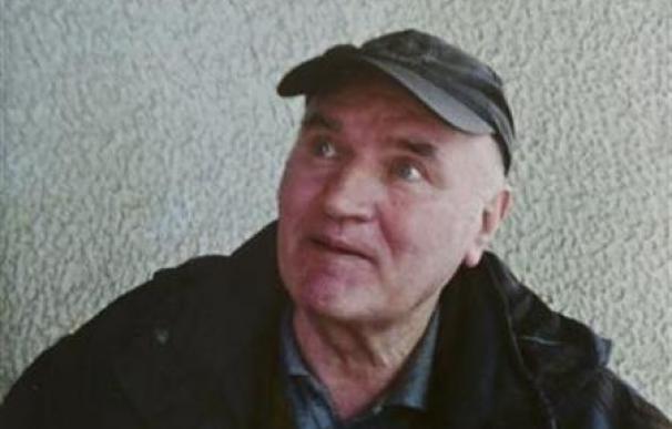 Mladic está bien para ser extraditado a La Haya, según el juez