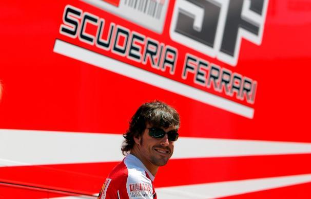 """Alonso asegura que es """"difícil"""" estar a la altura de Red Bull, pero """"no hay nada imposible"""""""