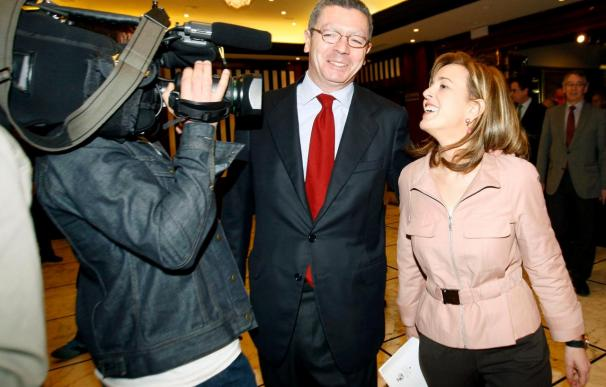 """Gallardón reclama de forma """"urgente"""" la conexión de alta velocidad con Bilbao"""