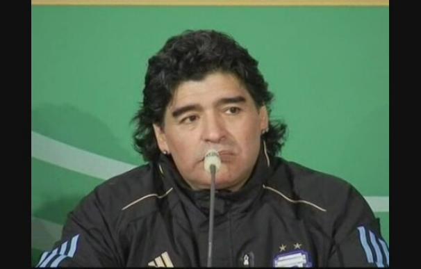 """Maradona: """"Vamos a dar un buen Campeonato del Mundo a nuestra gente"""""""