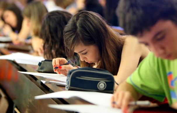 Los graduados de FP se colocan mejor y ganan hasta un 28% más