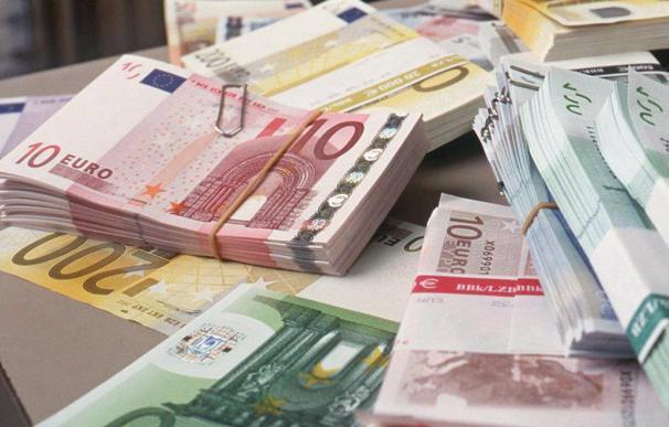 España coloca 2.300 millones en letras a 3 y 6 meses con un menor interés