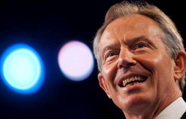 Tony Blair entra en la refriega electoral en apoyo de los laboristas