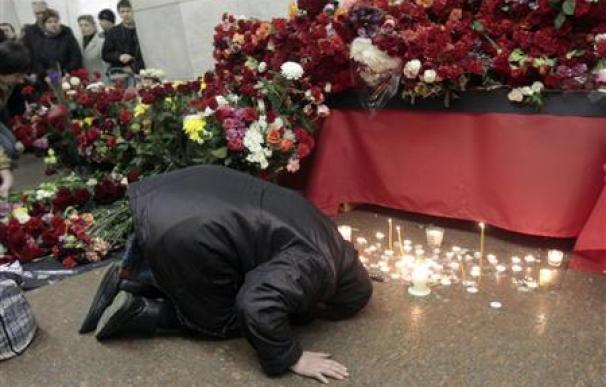 Moscú llora mientras los muertos por los atentados llegan a 39