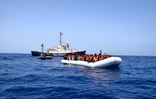 Desaparecidos 40 migrantes tras un naufragio cerca de las costas libias