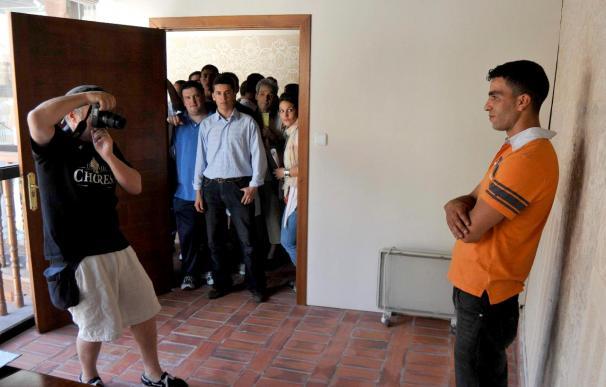 """Más de 300 personas se presentan a la selección de extras de """"Torrente 4"""" en Segovia"""