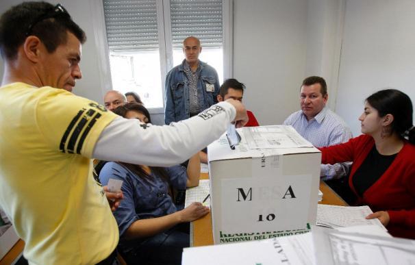 Los colombianos residentes en España votarán hoy al sucesor de Uribe