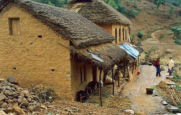 Típica casa nepalí hecha de arcilla o adobe