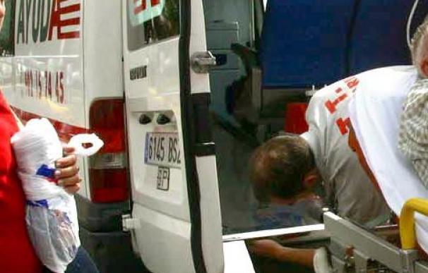 Fallecen dos ocupantes de un coche al chocar con un autobús vacío en Alicante