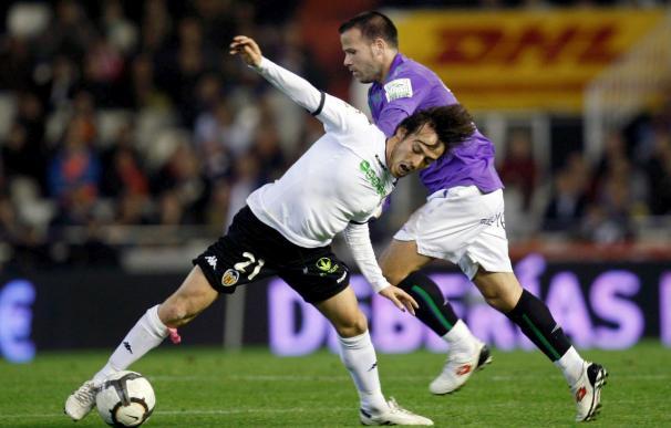 1-0. Un solitario gol de Villa da el triunfo a un Valencia superior al Málaga