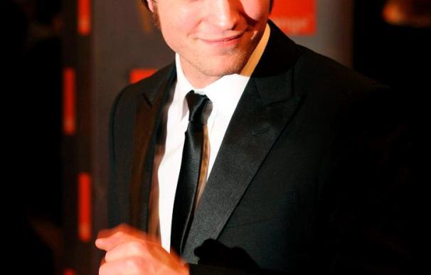 """Pattinson teme que la fama de """"Crepúsculo"""" le cierre la puerta del cine """"serio"""""""