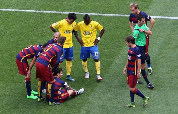 Barcelona's Argentinian forward Lionel Messi (sitt