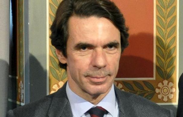 """José María Aznar critica los """"malos gobiernos"""" de Venezuela y Argentina"""
