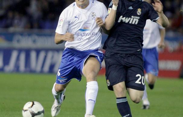El jugador del Tenerife Sicilia dice que le dolió mas el gol de Rossi que la patada que le dio en la cara
