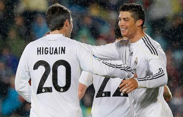Higuaín y Ronaldo fuerzan al Barcelona a ceder el liderato
