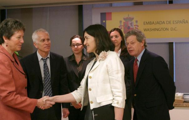 González-Sinde inicia una visita a EE.UU. con una reunión sobre el Odyssey