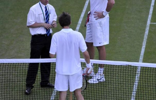 Wimbledon vive el partido más largo de la historia, diez horas y por concluir