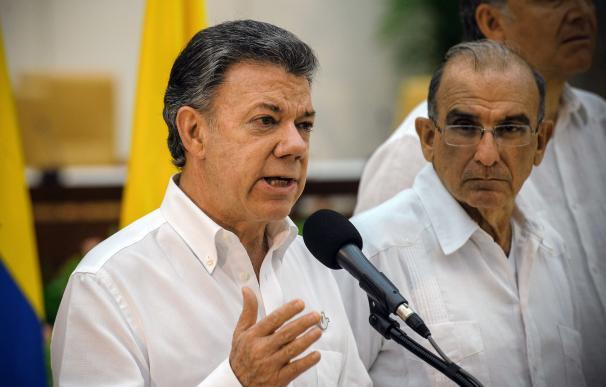 Colombian President Juan Manuel Santos speaks next