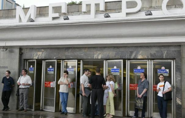 Al menos 25 personas muertas por una explosión en el Metro de Moscú