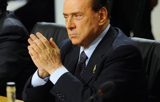 El hombre que lanzó una miniatura a Berlusconi ha sido absuelto