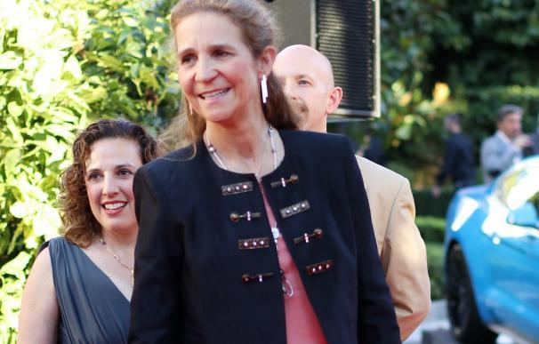 La Infanta Elena y Carlos García Revenga, juntos en la fiesta del 4 de julio