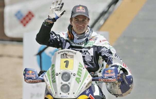 Coma en motos y el ruso Novitskiy en coches siguen líderes en el Rally Abu Dhabi