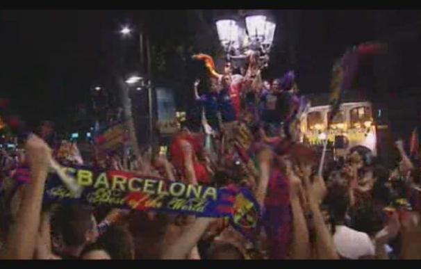 Los culés celebran el título de Liga en Canaletas