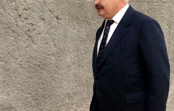 Cardona dimite como diputado autonómico y abandonará la política