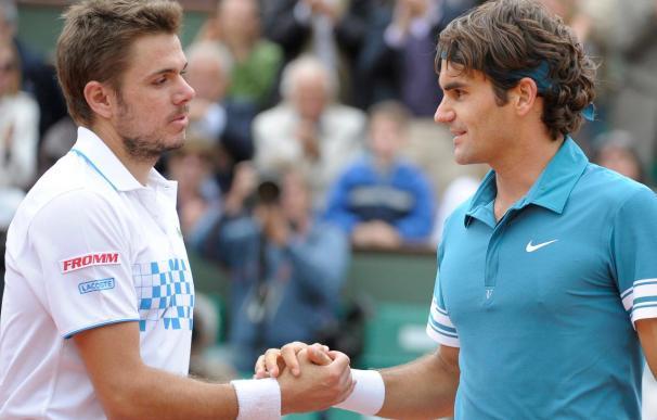 Federer vence a Wawrinka y se coloca en cuartos sin ceder un set