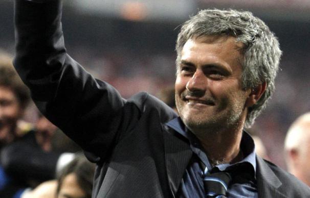Mourinho viajará hoy a Madrid para reunirse con la directiva del Real Madrid