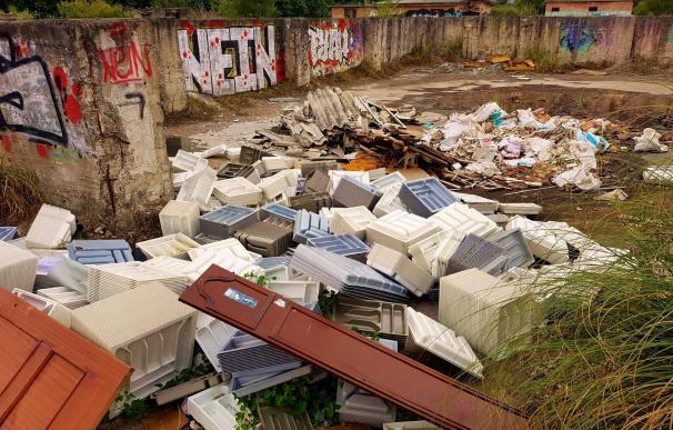 ARCA denuncia la existencia de vertederos incontrolados en el parque de las Marismas de Santoña, Victoria y Joyel