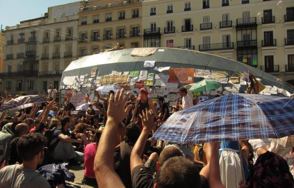 Los acampados de Sol convocan a las 19 horas una concentración contra el 'pensionazo'