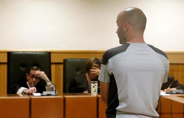 """Piden dos años para un etarra por almacenar explosivos para la """"kale borroka"""""""