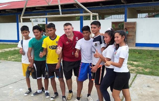El toledano Chema Jiménez lleva desde Santa Bárbara al Amazonas los valores del futsal como alternativa a la exclusión