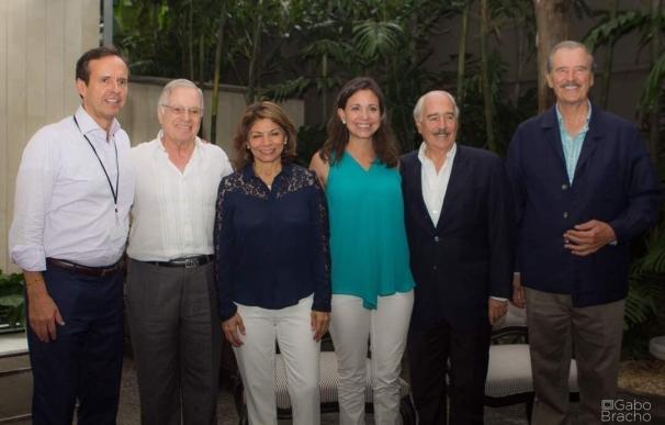 Llegan a Caracas cinco expresidentes que participarán como observadores en la consulta de la oposición