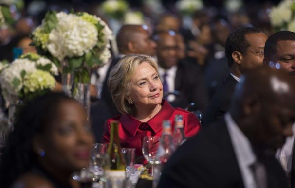 Democratic Presidential Hopeful Hillary Clinton at