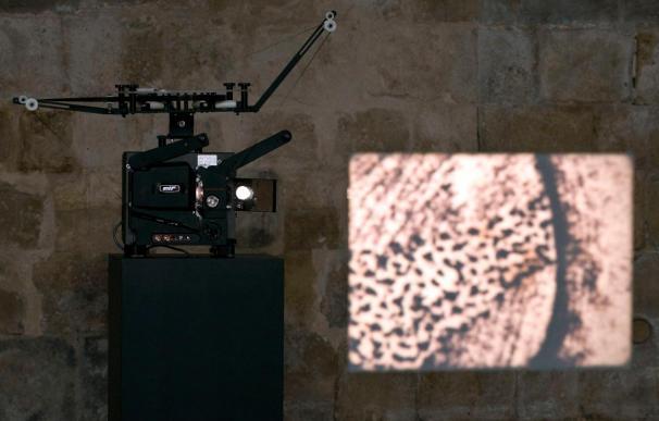 Un audiovisual animado muestra las marcas de las columnas de Silos