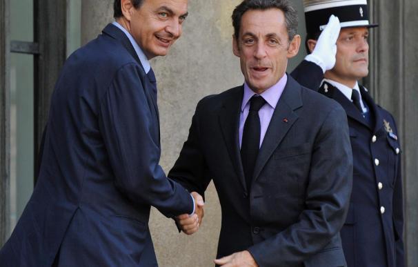 Zapatero almuerza mañana con Sarkozy para analizar la cooperación contra ETA