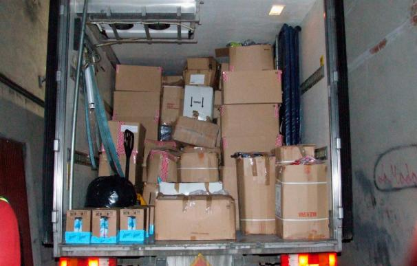 Cinco detenidos al desmantelar una red dedicada a robar mercancía de camiones en Barcelona