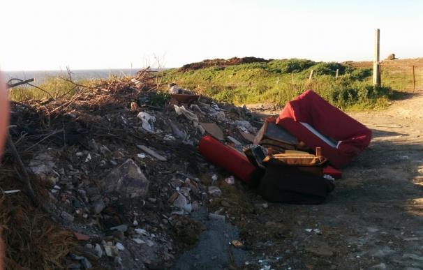 El Ayuntamiento revisa quince vertederos incontrolados y retira 480 m3 de residuos