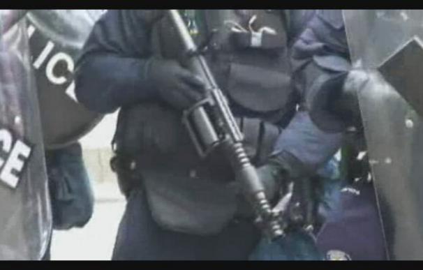 Enfrentamientos entre policías y manifestantes en el centro de Toronto