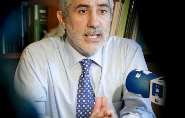 """Llamazares dice que """"no hay voluntad del Gobierno de liderar un acuerdo justo"""""""