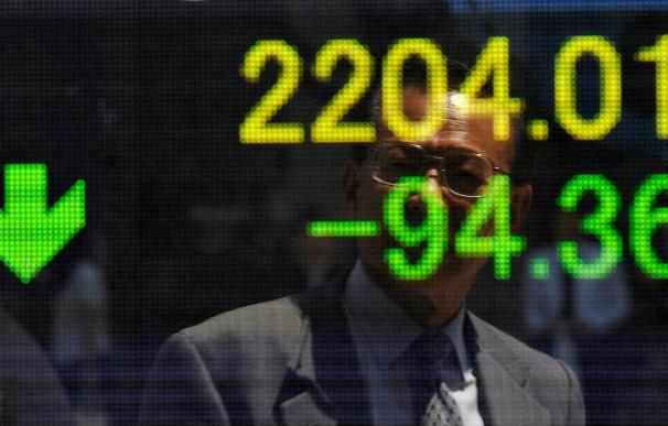 El Nikkei cae de los 9.500 puntos por primera vez en seis meses