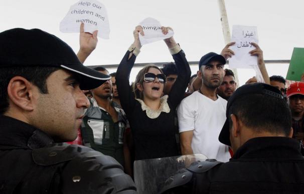 Al Maliki brinda apoyo militar a los kurdos para frenar el avance yihadista