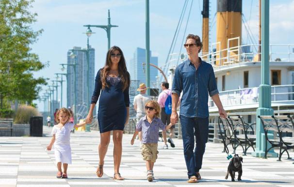Matthew McConaughey cumple con los antojos de su mujer
