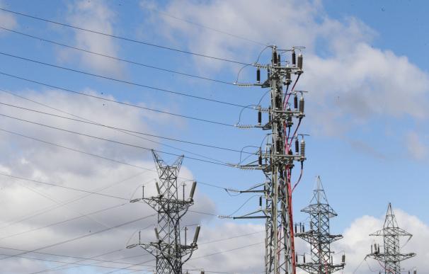 El consumo eléctrico de las grandes empresas aumenta un 1,2% en junio