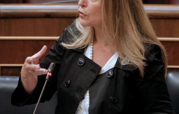 """La ministra confiesa que el """"copago"""" sanitario está en estudio pero no para adoptarlo """"en este momento"""""""
