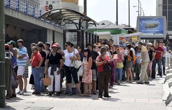 El cierre del metro provoca atascos en el centro de Madrid y la M-30