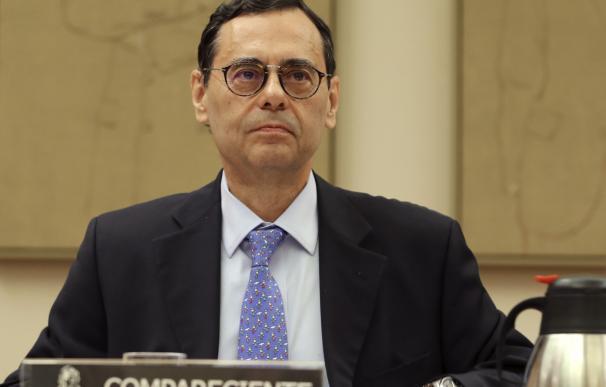 El ex gobernador del BdE, Jaime Caruana, hoy durante su comparecencia en la Comisión de Investigación del Congreso de los Diputados, en Madrid, que investiga el origen de la crisis y el rescate bancario