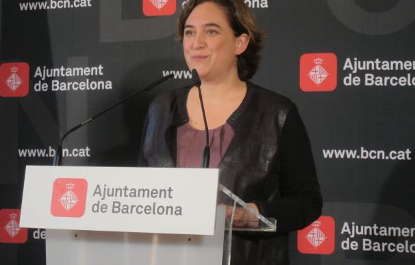 """Colau dice que JxSí hace un """"flaco favor"""" a Cataluña si el 1-O es unilateral por las prisas"""